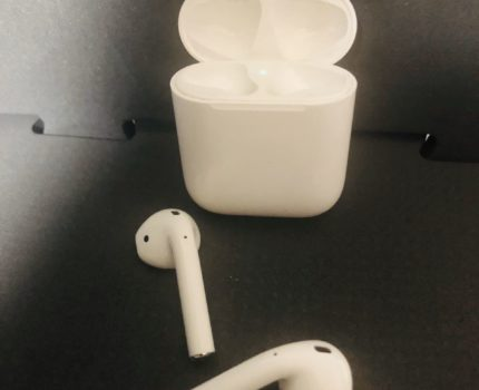 Apple AirPods with Charging Case エアーポッズ ワイヤレスイヤホン ヘッドセット 第2世代 Bluetooth 完全動作品