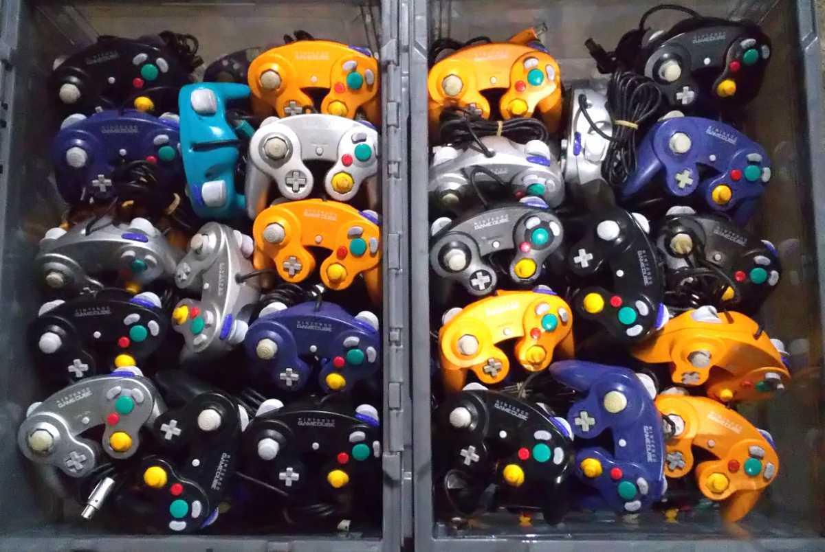 Nintendo ゲームキューブコントローラー 100個 GAMECUBE ニンテンドー 任天堂 大量 まとめて 動作未確認
